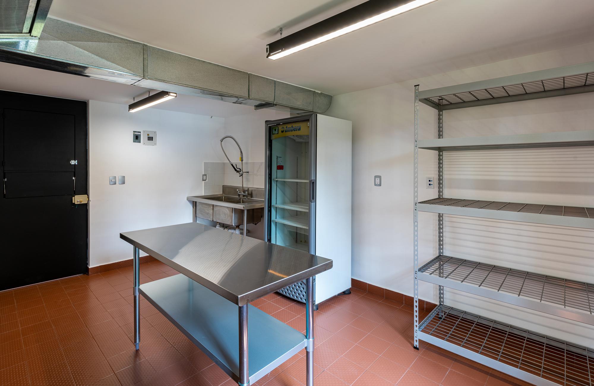 Vista diagonal de tactic kitchen