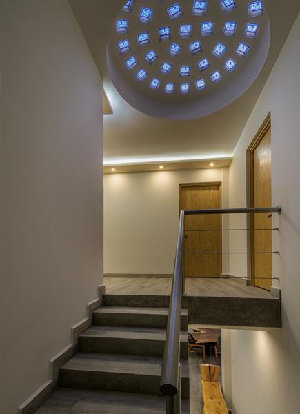 Casa M&A Escaleras y distribuidor superior